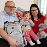 Natascha Eder mit Tochter Larissa und Baby Elias.